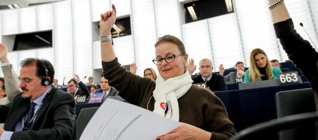 Danuta Jazłowiecka w trakcie sesji plenarnej PE w Strasburgu (fot. © European Union 2015)